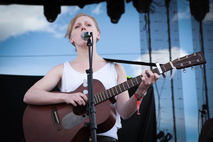 lauramarling04.jpg