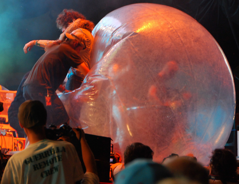 flaminglips15.jpg