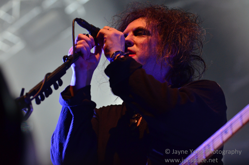 thecure15.jpg