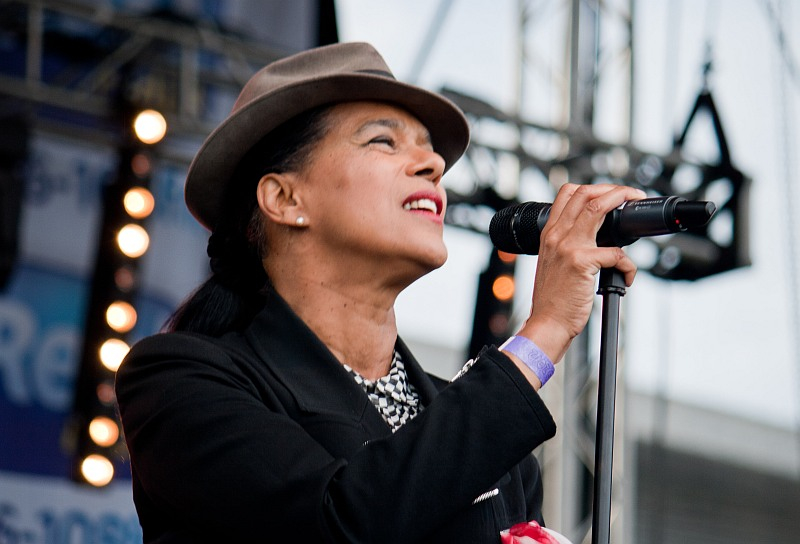 theselecter10.jpg