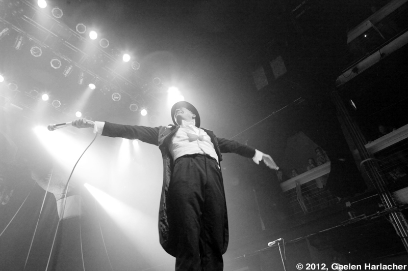 thehives08.jpg