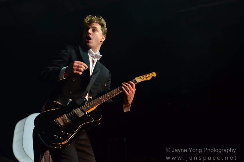 thehives02.jpg
