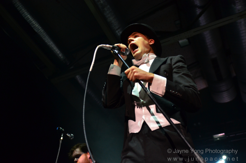 thehives10.jpg