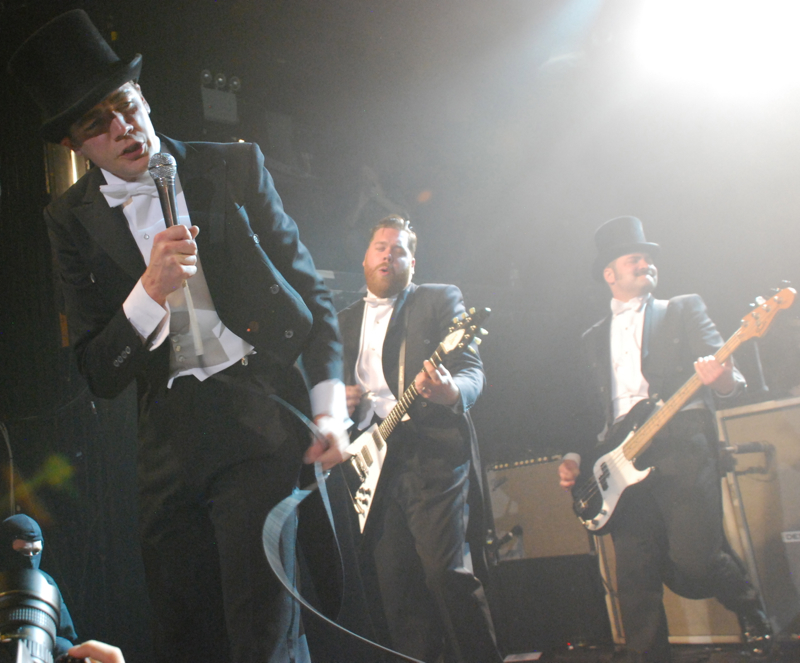 thehives17.jpg