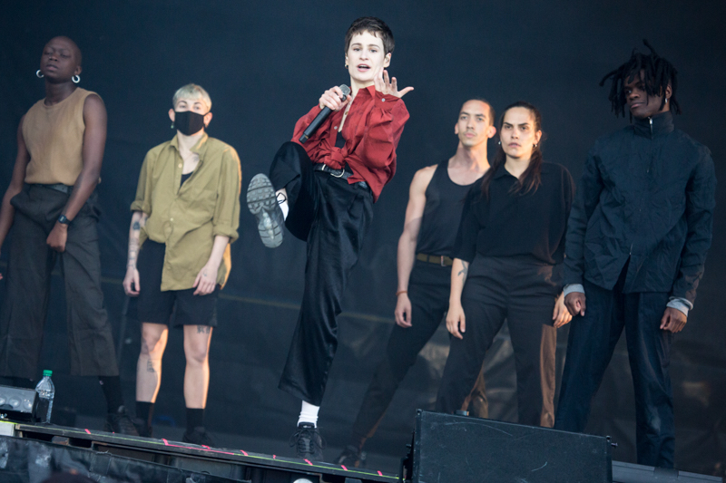 christineandthequeens04