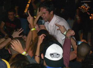 Attonito + crowd