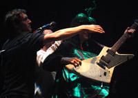 roadie saved Bell's guitar...