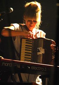 more accordion! more Bebban!