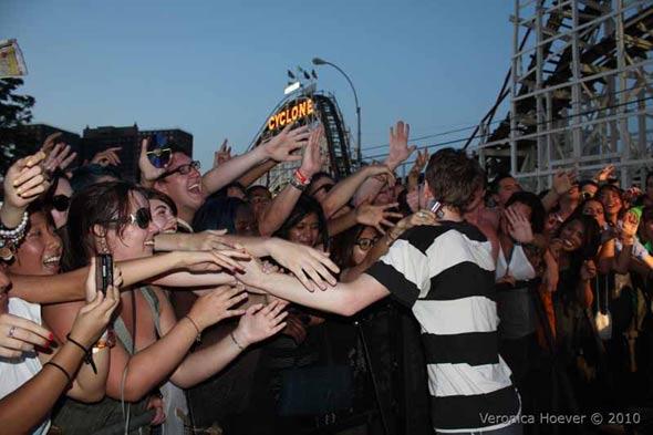 Matt thanks the fans