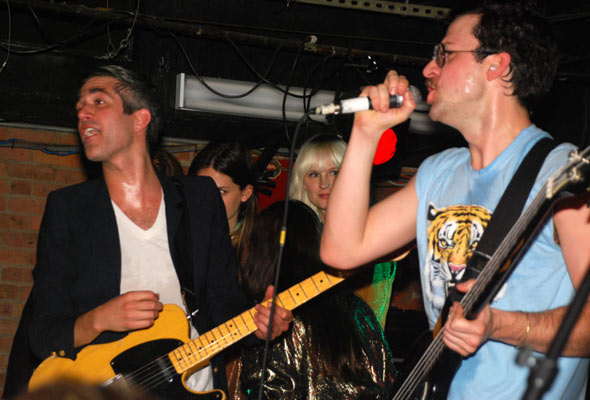 We Are Scientists : Live