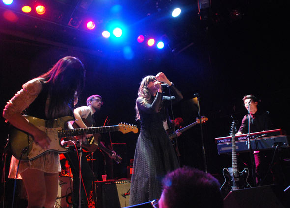 Nicole Atkins & The Black Sea : Live
