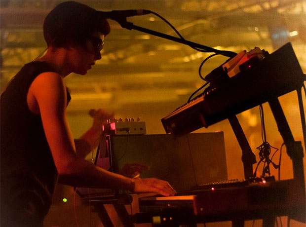 Neon Indian : Live