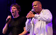 !!! & Lenny Williams : Live