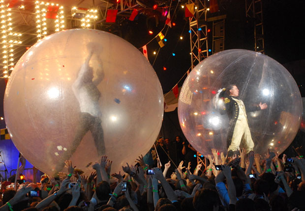 Coyne & Colbert & a pair of balls