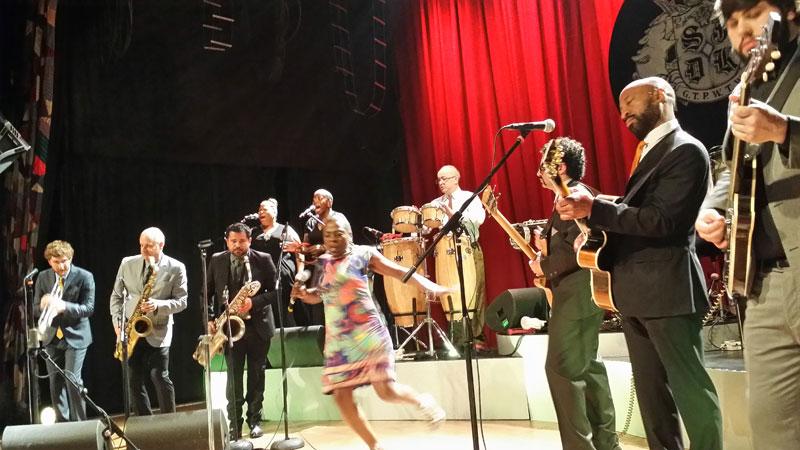 Sharon Jones & The Dap-Kings : Live