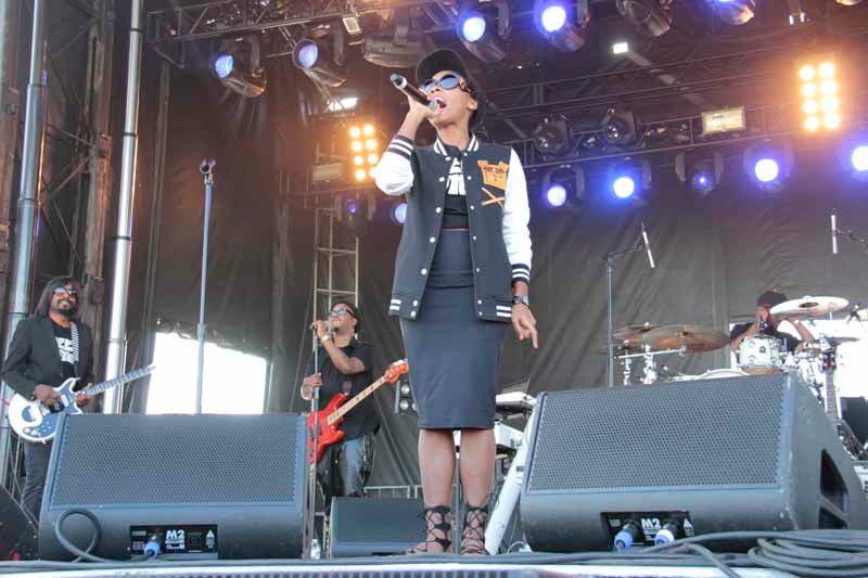 Janelle Monae w/ Deep Cotton
