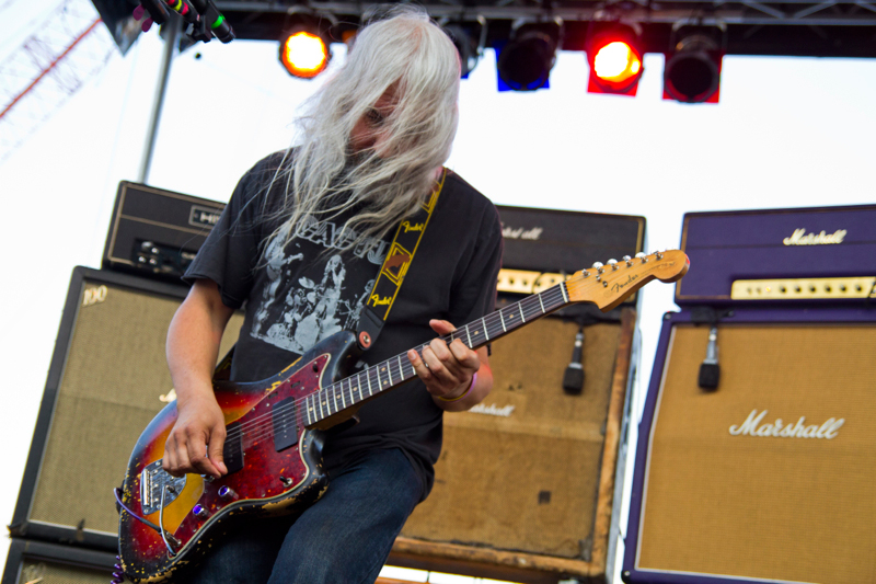 J Mascis, his hair, and his circle of amps