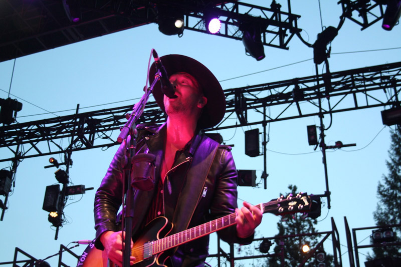 NEEDTOBREATHE : Live
