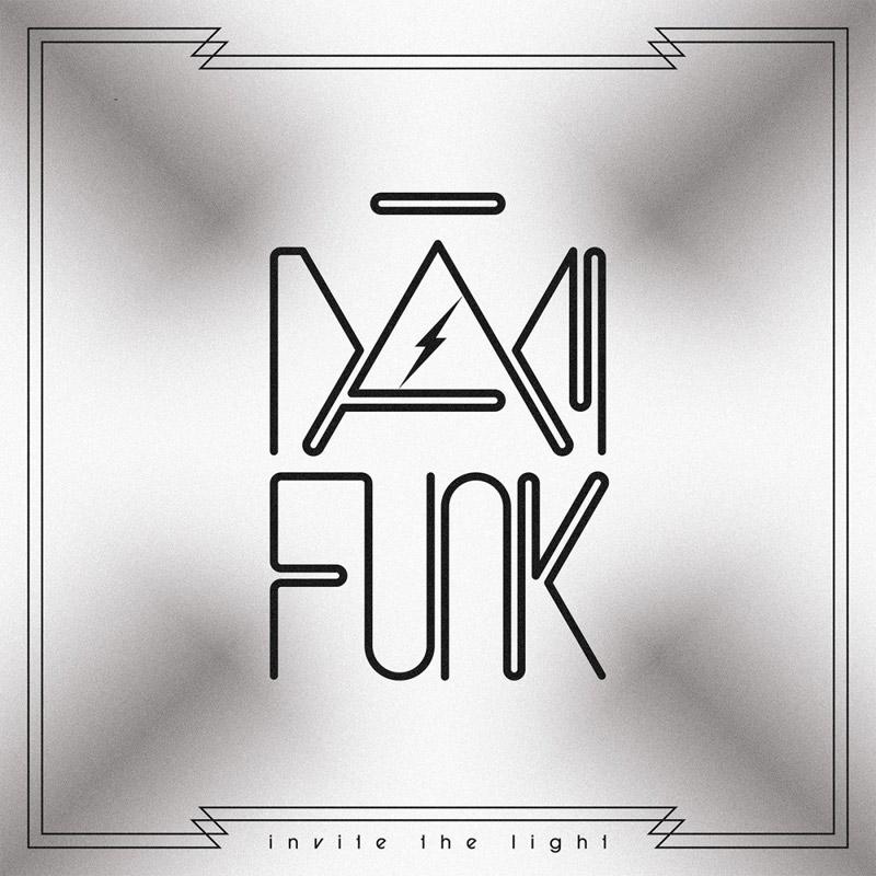 DâM-FunK : Invite the Light