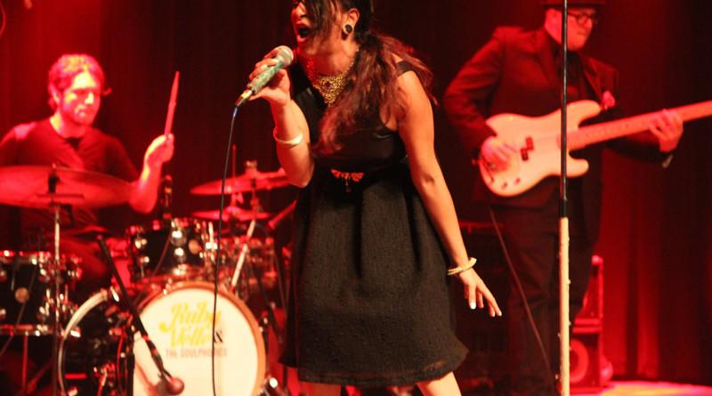 Ruby Velle & The Soulphonics : Live