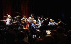 Brian Wilson Concert Photo Gallery