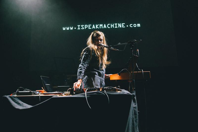 I Speak Machine - Melanie Marsman
