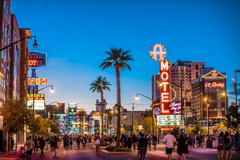 Las Vegas - photo by Demian Beccerra