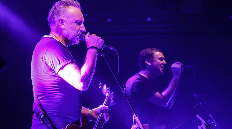 Peter Hook & The Light : Live