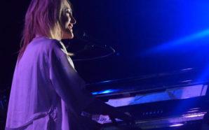 Emily Haines : Live