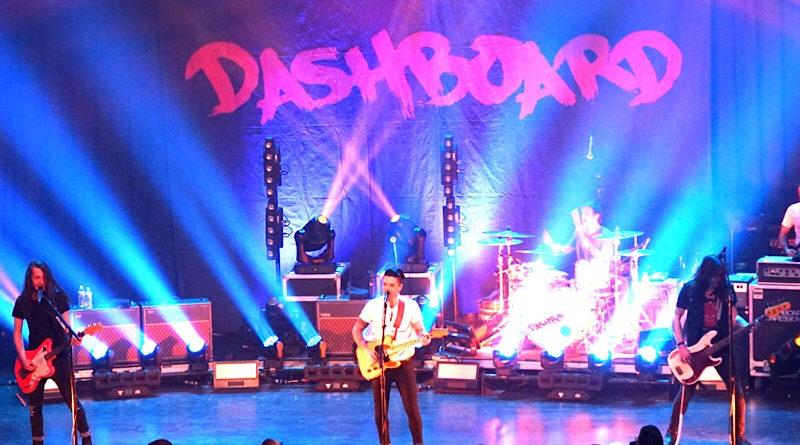 Dashboard Confessional : Live