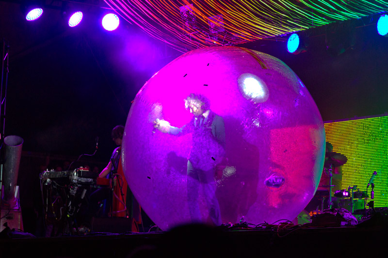 Wayne in a bubble