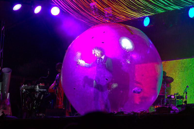 Wayne in a bubble