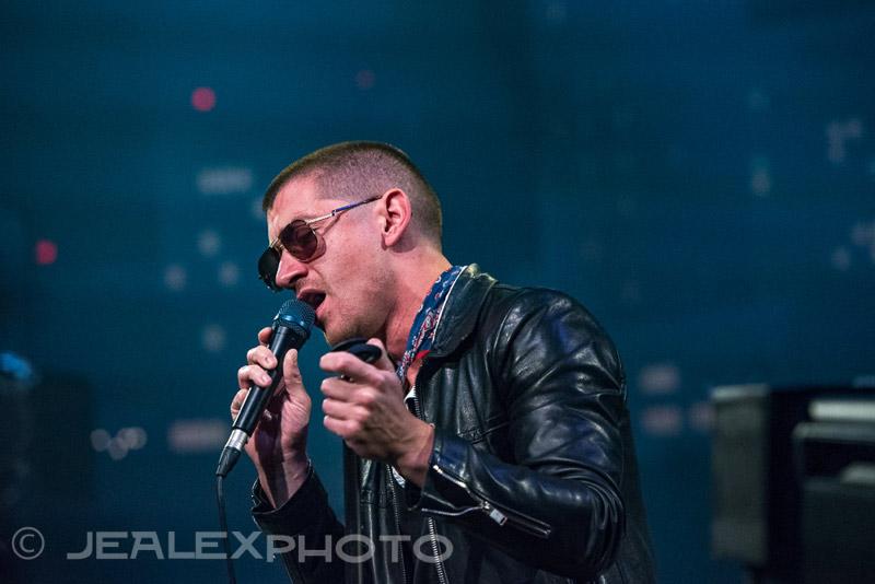 Arctic Monkeys : Live