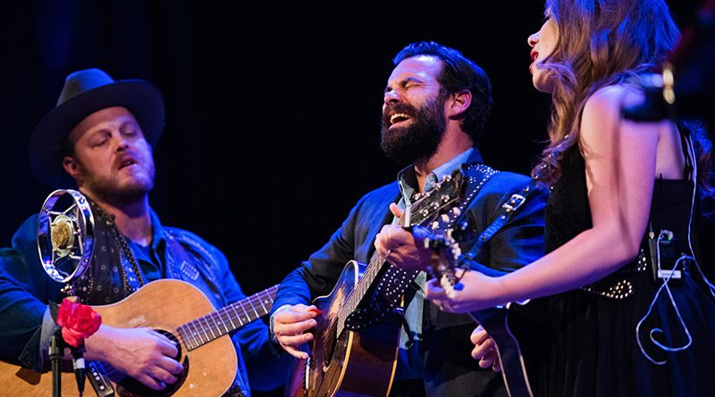 The Lone Bellow : Live