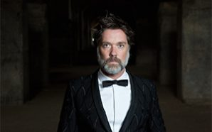 "Rufus Wainwright – ""Hard Times"""