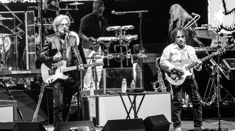 Daryl Hall & John Oates : Live